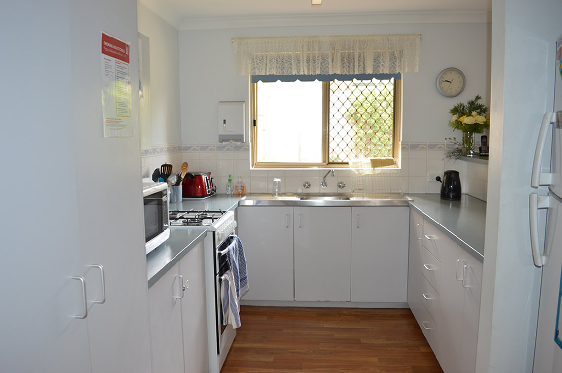 Home 1 Kitchen